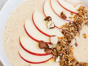 Apfelstrudel-Smoothie-Bowl