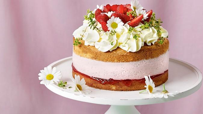 Erdbeer-Naked-Cake Mit Topfencreme-9990